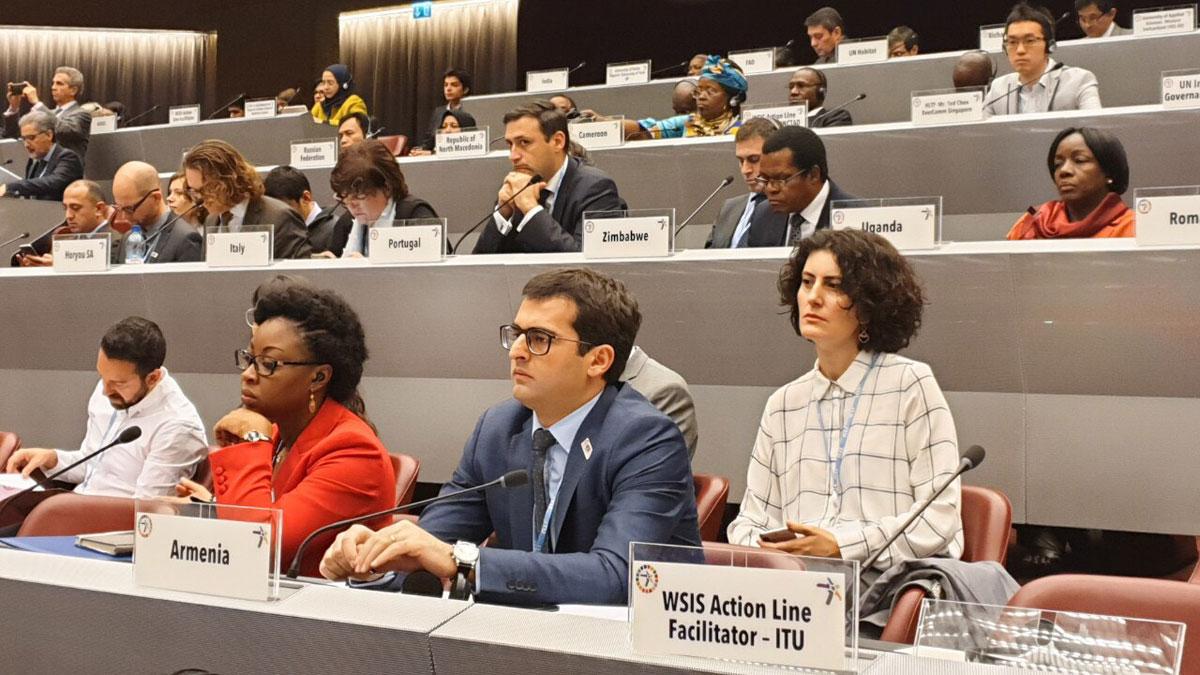 Photo of Հակոբ Արշակյանը Ժնևում մասնակցում է Տեղեկատվական հանրության համաշխարհային ֆորումին
