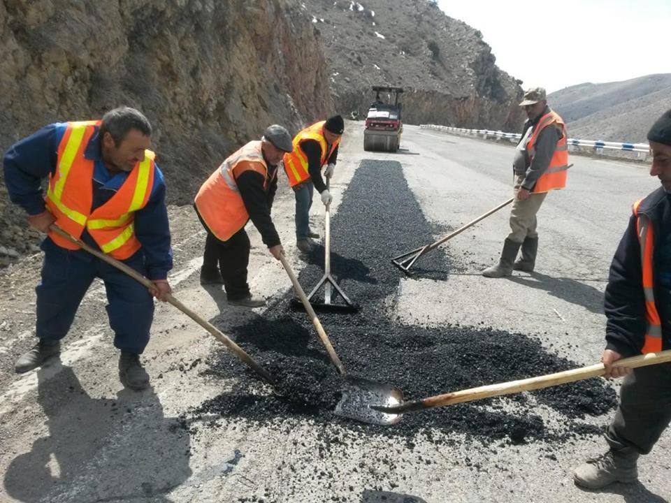 Photo of Մեկնարկել են հանրապետության ճանապարհների փոսային նորոգման աշխատանքները