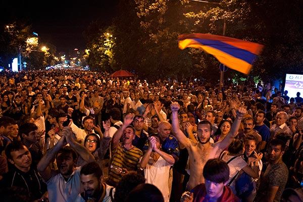 Photo of Суд отклонил жалобу журналистов на приостановление дела «Электрик Ереван»