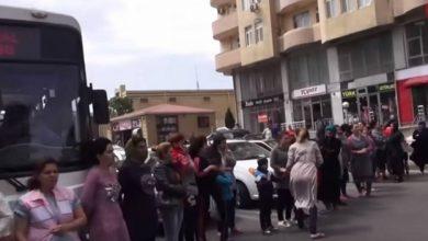 Photo of Ալիեւը մեր վրա թքած ունի. Ադրբեջանցի փախստականները փողոց են փակել Բաքվում. armtimes.com