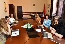 Photo of Աննա Հակոբյանին են ներկայացվել արևմտահայ կանանց մասին ուսումնասիրության արդյունքները