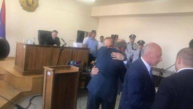Photo of Բակո Սահակյանն ու Արկադի Ղուկասյանը երաշխավորեցին Քոչարյանի ազատության համար. նրանք 500.000–ական դրամ են վճարել