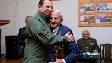 Photo of ՀՀ պաշտպանության նախարարը հանդիպել է Հայրենական մեծ պատերազմի, աշխատանքի և զինված ուժերի վետերանների հետ
