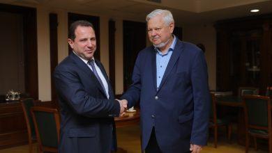 Photo of Министр обороны Армении принял Анджея Каспршика