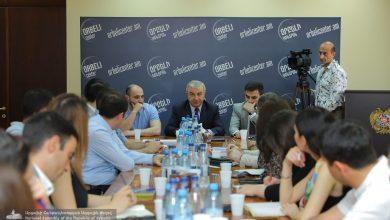 Photo of Խորհրդարանի նախագահը Երևանում հանդիպել է Օրբելի կենտրոնի փորձագետներին
