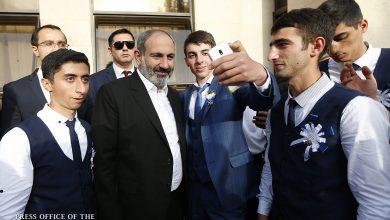Photo of Премьер-министр на правительственной даче принял выпускников из приграничных общин