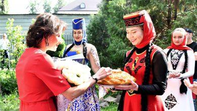 Photo of Հայաստանից ձեզ շատ սեր եմ բերել․ Աննա Հակոբյանը հանդիպել է Ալմաթիի հայ համայնքի հետ