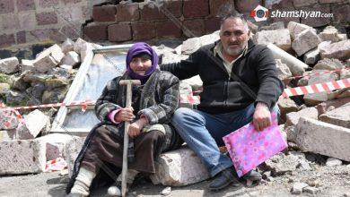 Photo of Արագածոտնի մարզի Հնաբերդ գյուղում տան փլուզման հետևանքով ընտանիքի անդամները, այդ թվում՝ հղի հարսը, հայտնվել են բաց երկնքի տակ