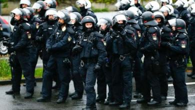 Photo of В ходе первомайских акций в Берлине пострадали 39 полицейских