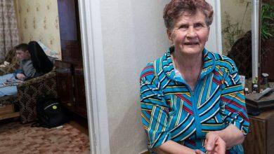 Photo of Мама Сенцова: «В Крыму все боятся и ничего не говорят об Олеге. Если спросят – на ушко отвечаю»