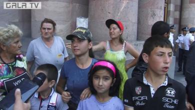 Photo of Հրաժարվում ենք Հայաստանի քաղաքացիությունից. բողոքի ակցիա կառավարության դիմաց