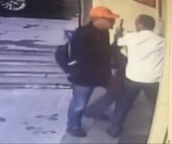 Photo of Հրազենով բանկ մտած տղամարդուն ոստիկանը վնասազերծել է