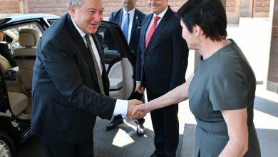 Photo of Президент Армен Саркисян по случаю Дня России посетил посольство РФ в Армении