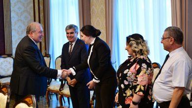 Photo of Նախագահը հանդիպել է «Հանրապետություն» կուսակցության ներկայացուցիչների հետ