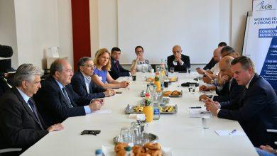 Photo of «Առաքելություն չունեցող ազգը կամ մարդը կորած է». Հանրապետության նախագահ Արմեն Սարգսյանը հանդիպել է շվեյցարական մի շարք առաջատար ընկերությունների ղեկավարների հետ
