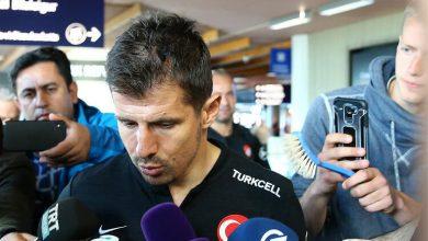 Photo of 3-ժամյա զննում օդանավակայանում, խոզանակ` բարձրախոսի փոխարեն. ինչպես են Թուրքիայի հավաքականին դիմավորել Իսլանդիայում