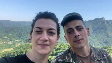 Photo of В Арцахе Анна Акопян встретилась с сыном Ашотом Пашиняном