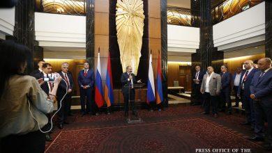 Photo of Վարչապետը հանդիպել է Սանկտ Պետերբուրգի հայ համայնքի ներկայացուցիչներին