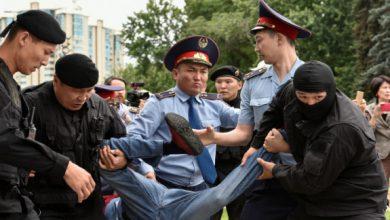 Photo of Около 100 человек задержаны на митингах в Нур-Султане и Алматы