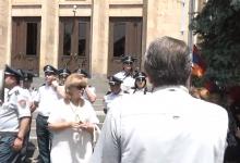 Photo of Սահմանադրական դատարանի մոտ պահանջում են Հրայր Թովմասյանի հրաժարականը. ՈՒՂԻՂ