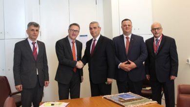 Photo of Глава МИД Арцаха Масис Маилян провел встречу с лидером Австралийской партии зеленых, сенатором Ричардом Ди Натале