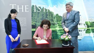 Photo of ՀՀ վարչապետի տիկինը մշակութային այց է կատարել ‹‹Իստանա›› և ‹‹Ազգային ժառանգության›› թանգարաններ