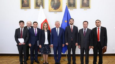 Photo of ԱԺ արտաքին հարաբերությունների մշտական հանձնաժողովի պատվիրակությունը Վարշավայում հանդիպել է Ստանիսլավ Կարչեւսկու հետ