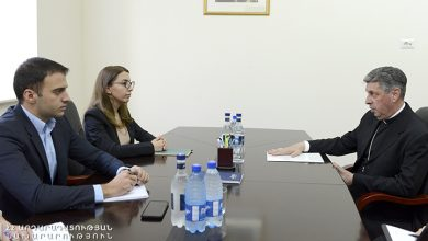 Photo of Բարձր է գնահատվել նվիրակի ներդրումը Հայաստանի եւ Վատիկանի  հարաբերությունների զարգացման գործում