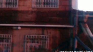 Photo of Խոշոր հրդեհ Երեւանում. դեպքի վայր է մեկնել 7 մարտական հաշվարկ. Փրկարարները դուրս են բերել ծխահարված բնակչին