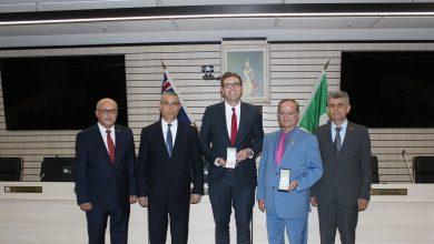 Photo of Глава МИД Республики Арцах Масис Маилян провел встречу с мэром города Райд Джеромом Лаксалом