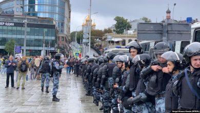 Photo of Опрос: более трети москвичей положительно относятся к акциям протеста