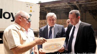 Photo of 9 բեռնատարներում բեռնված մարդասիրական օգնությունը ճանապարհվել է դեպի Սիրիա