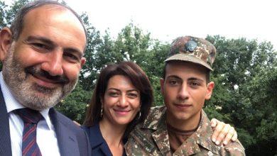 Photo of Никол Пашинян встретился со своим служащим в армии сыном