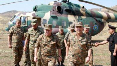 Photo of ՀՀ ԶՈւ գլխավոր շտաբի պետը և ԱՀ ՊՆ, ՊԲ հրամանատարն այցելել են առաջնագիծ