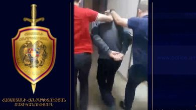Photo of Տեսանյութ. ինչպես են ոստիկանության և ԱԱԾ աշխատակիցները ձերբակալում 28-ամյա աղջկան սպանող տղամարդուն