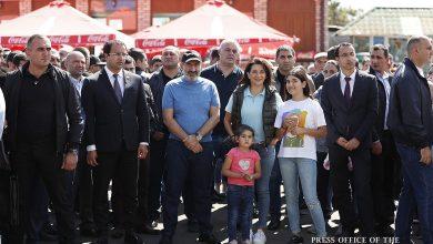 Photo of Премьер-министр со своей семьей присутствовал на открытии рыбного фестиваля, проходящего на Севанском полуострове