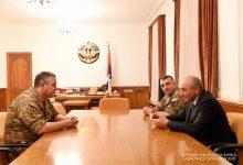 Photo of Բակո Սահակյանն ու Արտակ Դավթյանը քննարկել են բանակաշինությանը վերաբերող հարցեր