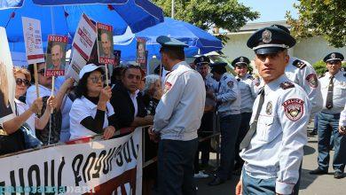 Photo of Сторонники Роберта Кочаряна заявили о проведении бессрочного сидячего пикета
