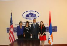 Photo of Արցախի արտաքին գործերի նախարարն ընդունել է ԱՄՆ Կոնգրեսի անդամներին