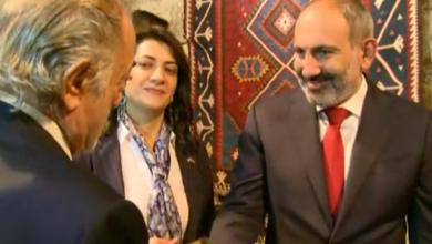 Photo of Премьер-министр Армении принимает участие в процессе изготовления ковра для раненых военнослужащих под названием «Армянская Вселенная»