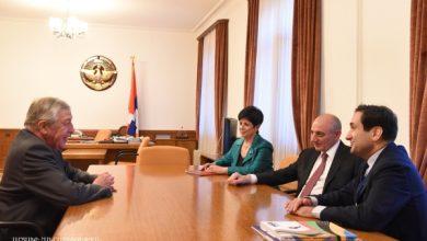 Photo of Բակո Սահակյանը եւ Ֆրանսուա Ռոշբլուանը քննարկել են Արցախ-Ֆրանսիա հարաբերություններին վերաբերող մի շարք հարցեր