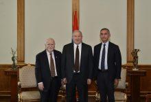 Photo of Նախագահ Արմեն Սարգսյանը հյուրընկալել է Վարդան Գրեգորյանին և Արա Դարզիին