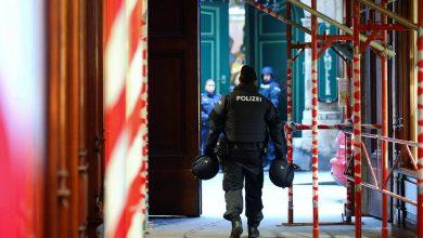 Photo of СМИ: девять человек пострадали при взрыве на территории аэропорта в Австрии