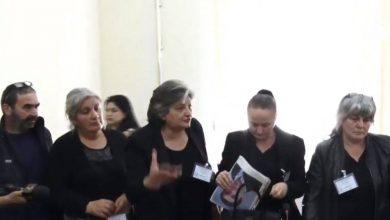 Photo of Լարված իրավիճակ Ազգային ժողովում. Խաղաղ պայմաններում զոհված զինվորների հարազատները  Մարդու իրավունքների հանձնաժողովում են