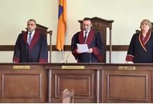 Photo of Սահմանադրական դատարանի դատավորները հանդես են եկել հայտարարությամբ. հետեւում են Հրայր Թովմասյանի ընտանիքի շուրջ տեղի ունեցող զարգացումներին