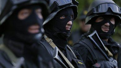 Photo of Ոստիկանության 6-րդ վարչության աշխատակիցները ՀՖՖ-ից փաստաթղթեր են տարել