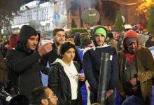 Photo of Палатки, печки и горячий кофе — многотысячный протест в Тбилиси