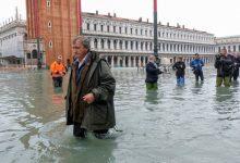 Photo of Самое сильное наводнение в Венеции за 50 лет. Мэр города винит изменение климата