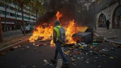 Photo of Годовщину акций «желтых жилетов» в Париже отметили новыми столкновениями