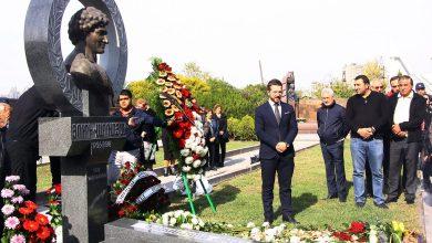 Photo of Պանթեոնում տեղադրվել է Յուրի Վարդանյանի մահարձանը